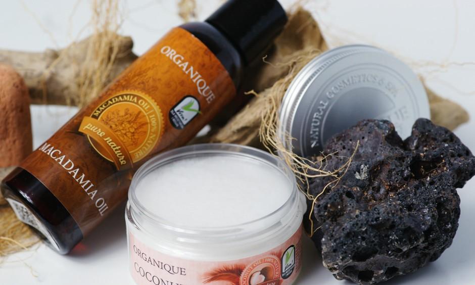 Die Öle von Organique: Arganöl, Makadamiaöl und Sesamöl