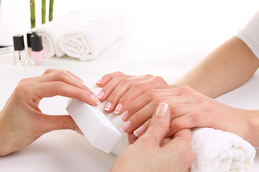 Pflege der brüchigen Nägel: Tipps und Pflegemethoden